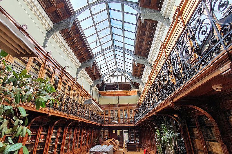 Fotografia Biblioteca histórica de la ETSIME-UPM