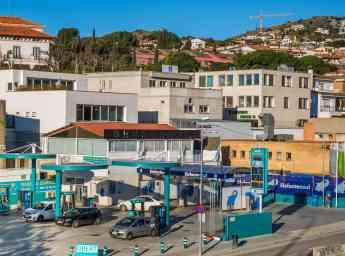 Estacion de servicio Autonetoil y centro de lavado Elefante Azul