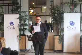 Foto de José María Resa, presidente de Grupo Cycle, dando un