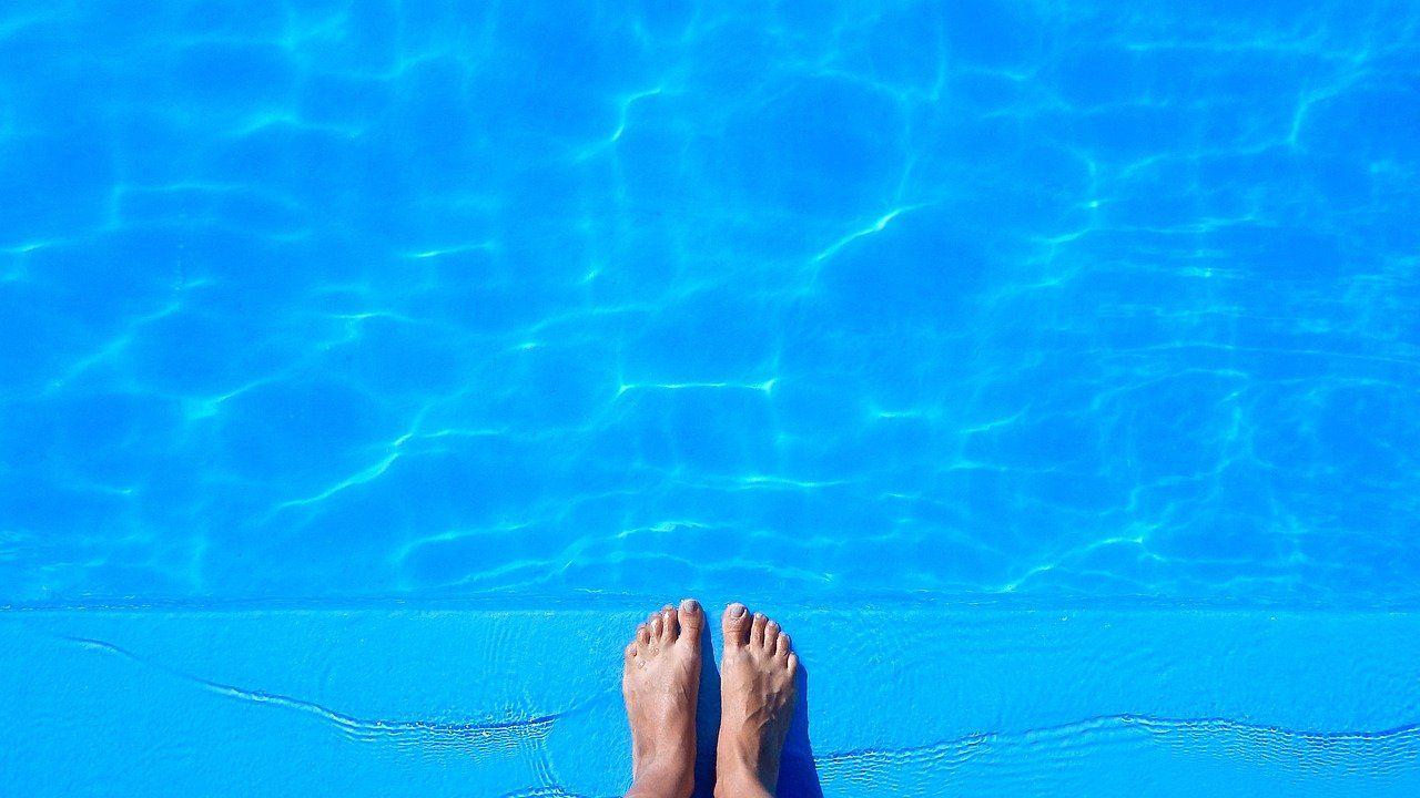 """Piscinas Lara: """"Con un simple kit se puede poner a punto la piscina para el verano"""""""
