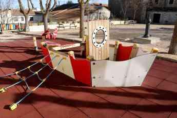 Foto de Fuentenovilla renueva sus parques infantiles