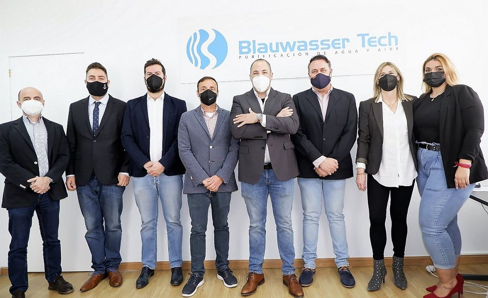 Foto de Equipo de Blauwasser Tech Venta Directa