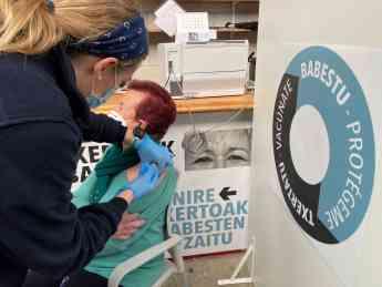 FOTO de archivo de la vacunación en Illumbe (Donostia).