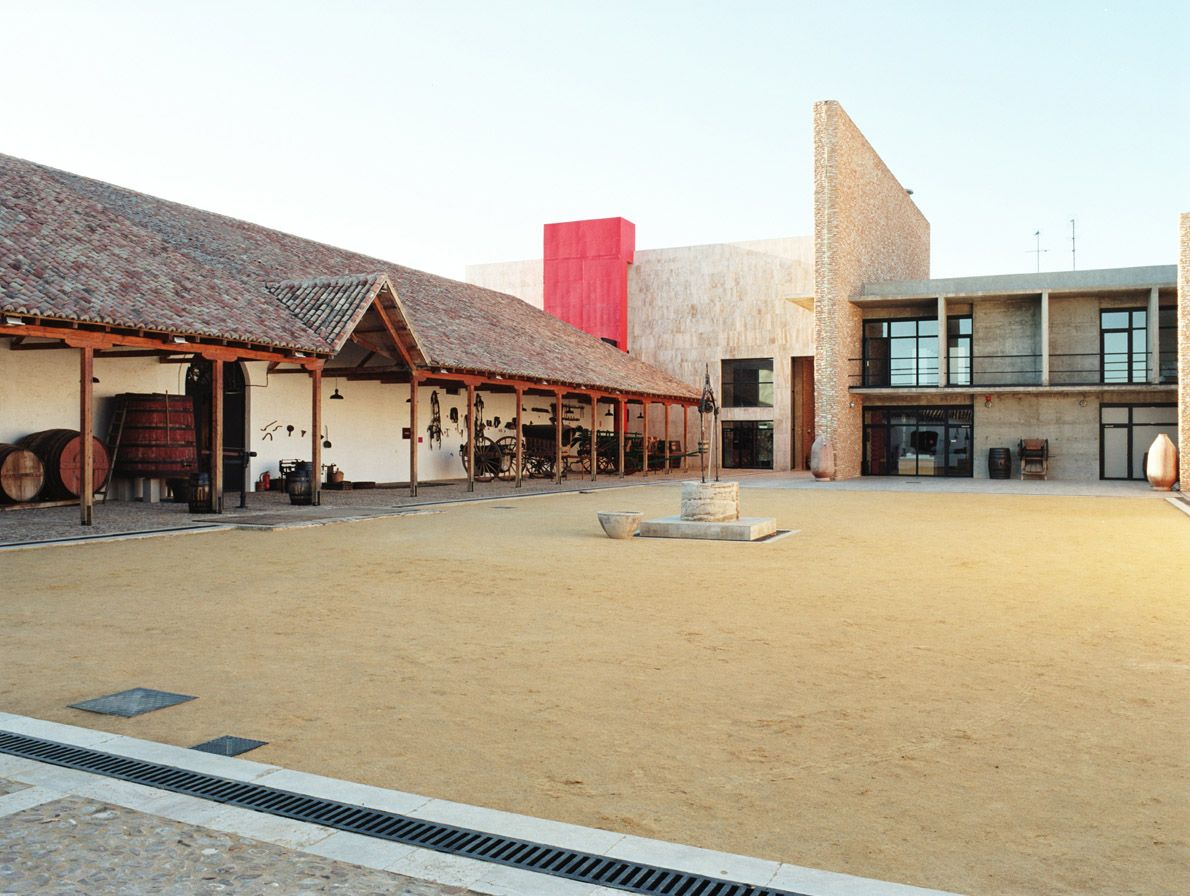 Fotografia Museo del Vino de Valdepeñas (1994) obra de Edurne Altuna
