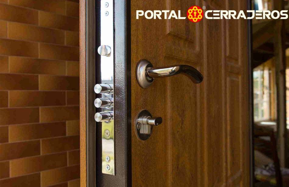 Las cerraduras en las puertas principales por PORTAL CERRAJEROS