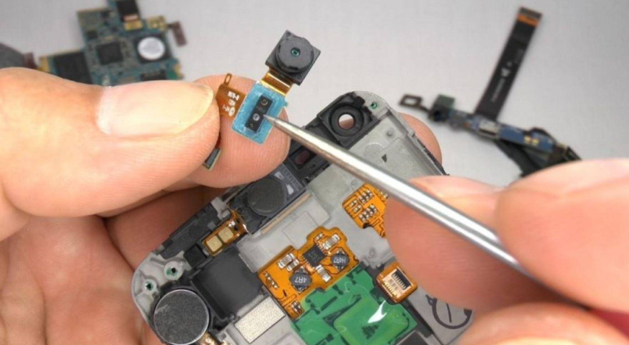 Foto de Intenso Informática incrementa los servicios de reparación