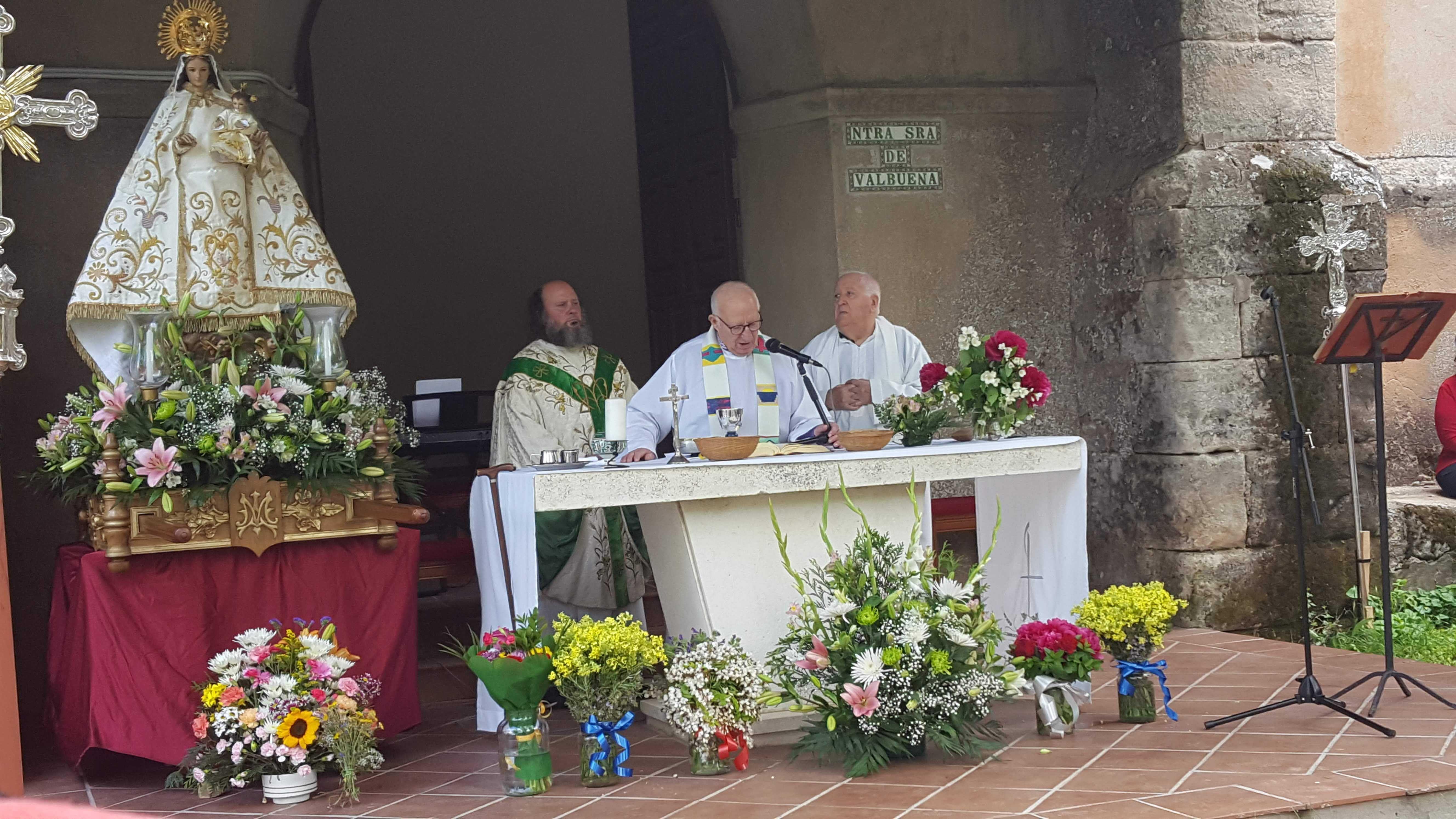 Foto de Letanías en Valbuena, la Virgen de la comarca de Jadraque