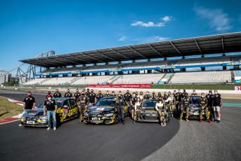 Foto de Imagen del equipo completo del Giti Tire Motorsport.