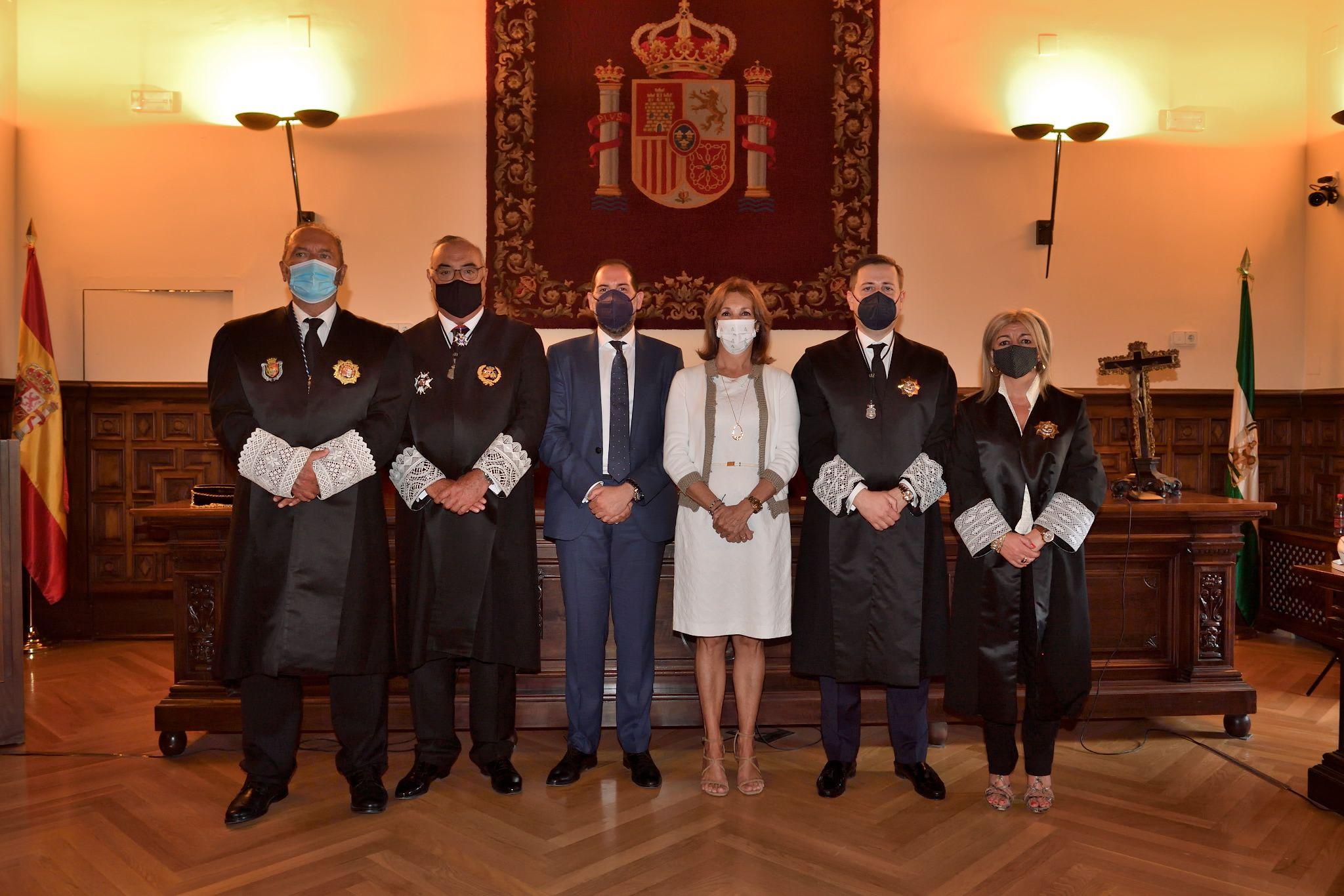 Fotografia Toma Posesión Consejo Andaluz Procuradores 1