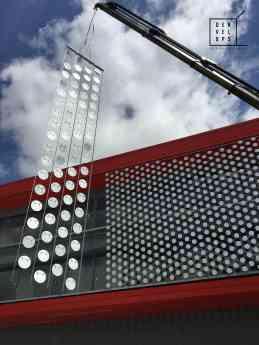 Foto de Instalación fachada dinámica Denvelops