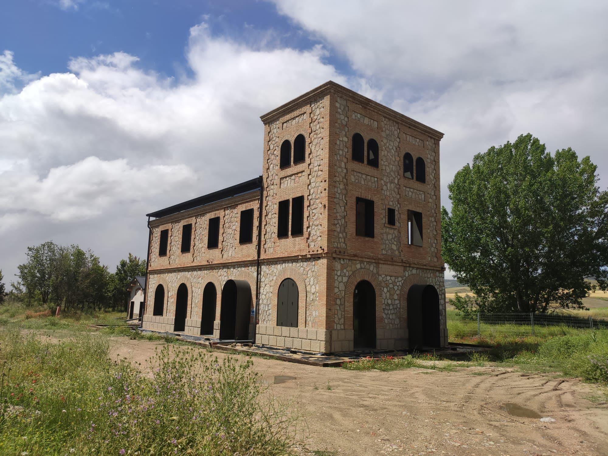 Fotografia Apeadero de La Melgosa, en rehabilitación actualmente.