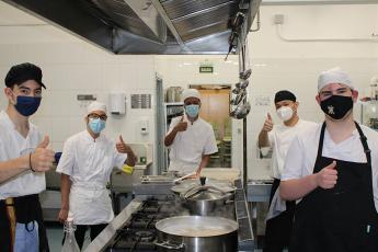 Jóvenes cocineros