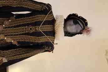 Foto de Inaugurada una exposición permanente de trajes renacentistas