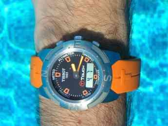 Reloj inteligente acuático