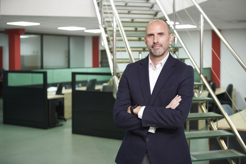 Fotografia Jorge Torres, director general, en una de las sedes de