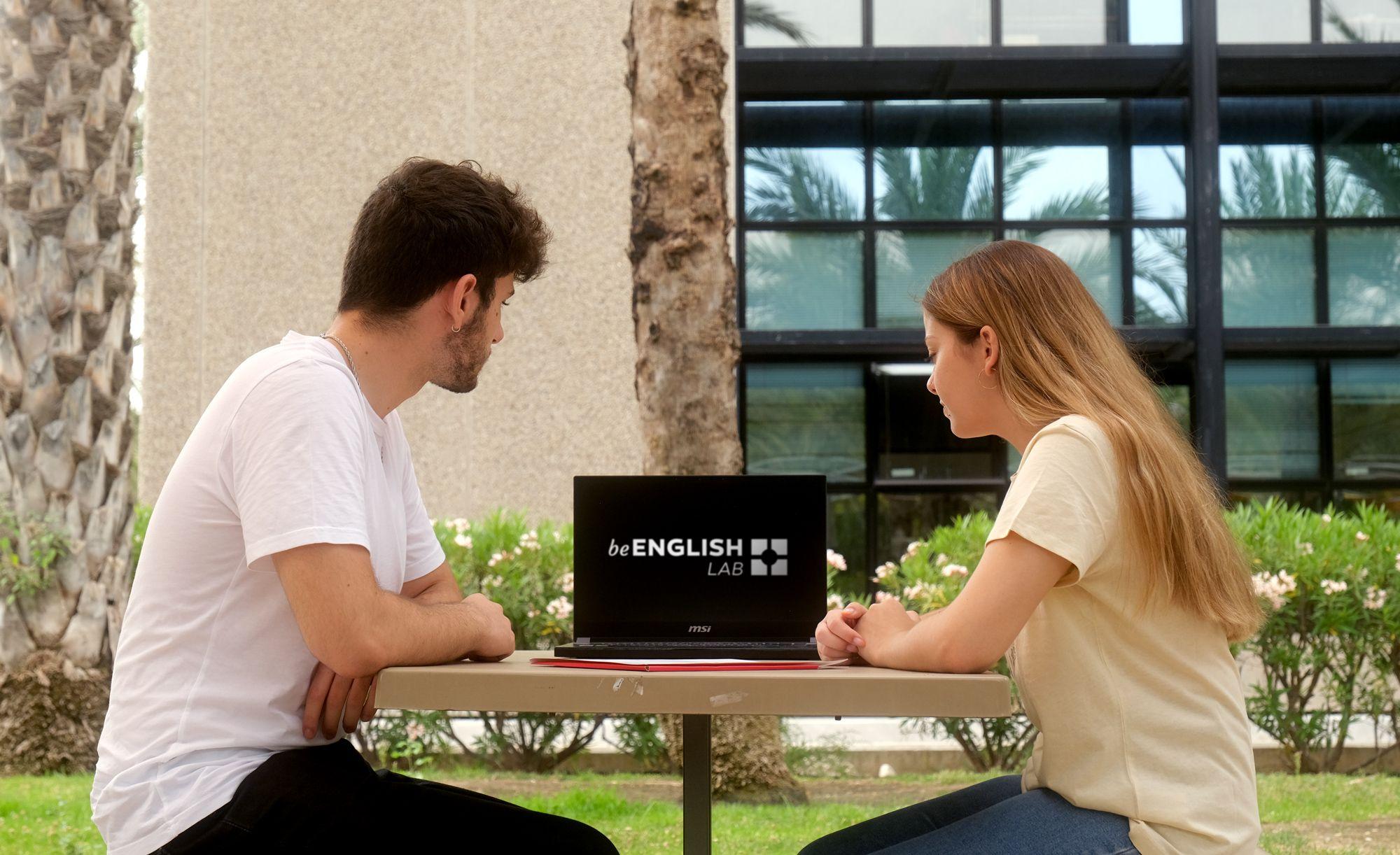 Fotografia Estudiantes de inglés de la UMH