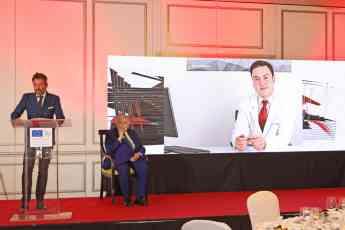 El Dr. Bruno Jacobovski obtiene el premio Dr. Fleming a la Excelencia