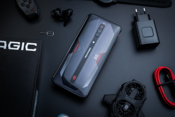 Nubia amplía su colaboración con Vodafone y lanza el REDMAGIC 6 y su reloj de pulsera REDMAGIC Watch