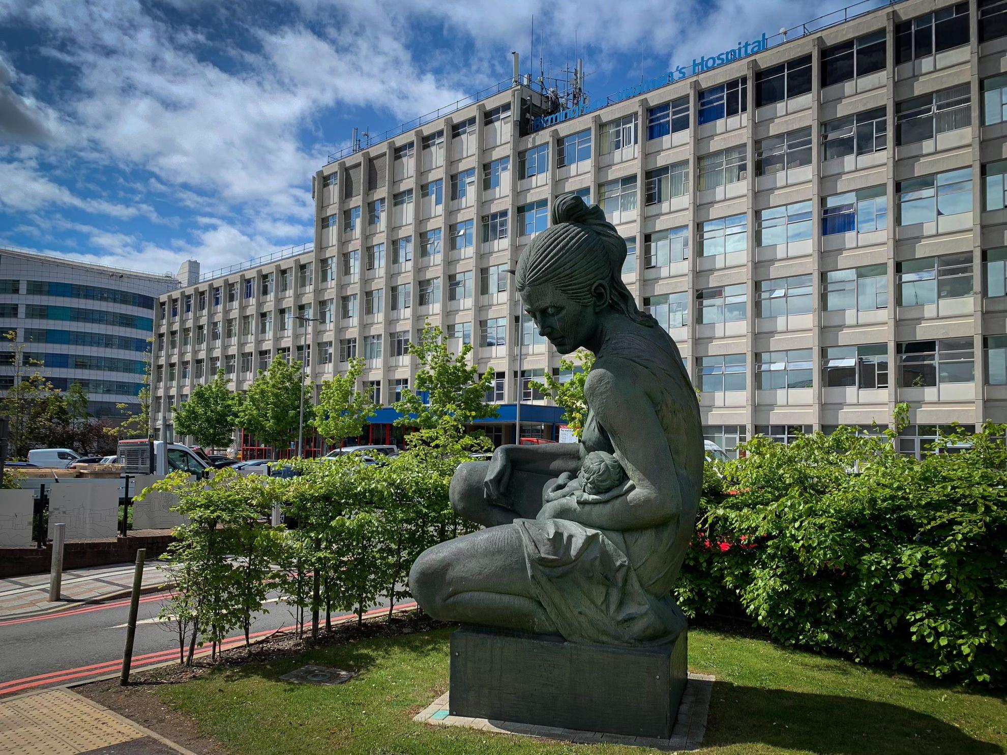 Foto de Los Hospitales Women and Children de Birmingham implementan