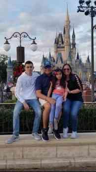 La familia de Javier Cardona