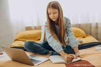 Noticias Digital   Niña estudiando en casa