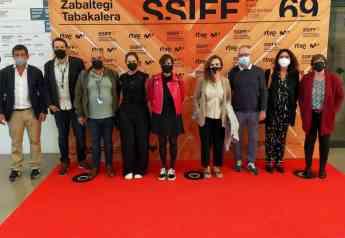 epresentantes del Ministerio y de REDCAU tras la reunión celebrada ayer en el marco del Zinemaldia.