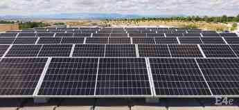 Paneles solares en colegio Miramadrid