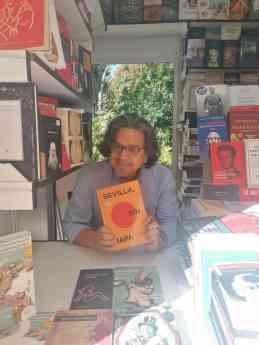 El escritor Fernando Iwasaki publica