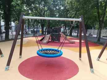 Parque infantil plástico reciclado