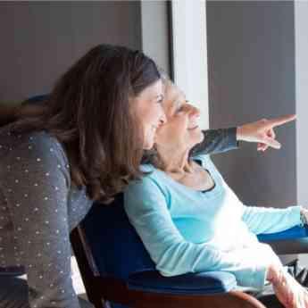 Noticias Emprendedores   Cuidado de mayores a domicilio Helpycare