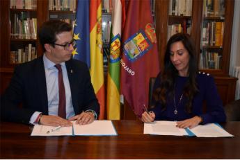 José Antonio Rupérez Caño, presidente del Centro Riojano de Madrid y Gemma Revilla Pérez, directora del centro de ILERNA en Madr