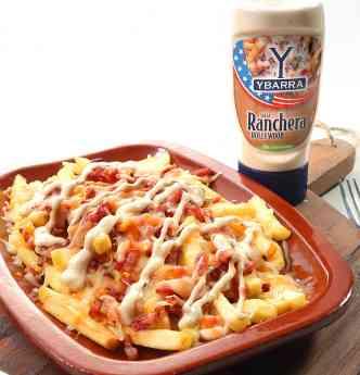 Patatas con Bacon, Queso y Salsa Ranchera Ybarra